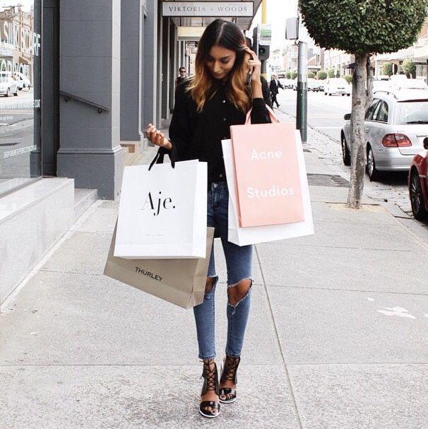 Tarde de comprinhas pelas suas lojas preferidas... #compras #shopping