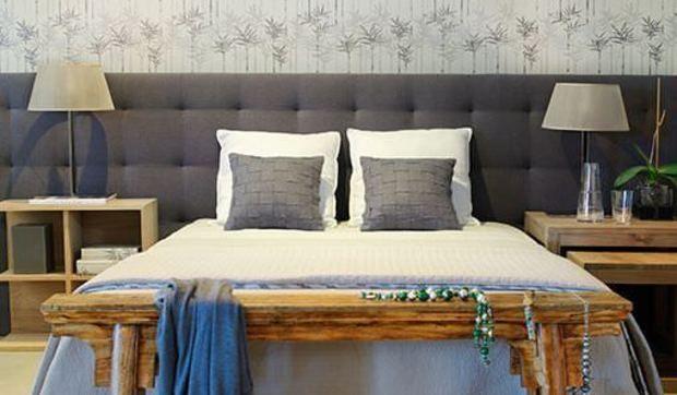 Este dormitorio en tonos grises es un excelente ejemplo de for Ejemplo de dormitorio deco