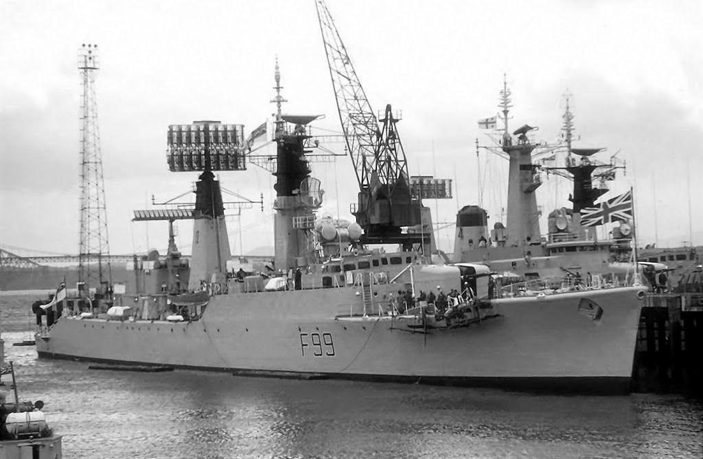 Hms Lincoln F99 Navy Ships Royal Navy Frigates Naval