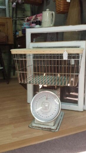 Vintage Laundry Scale A Great Accent To The Laundry Room