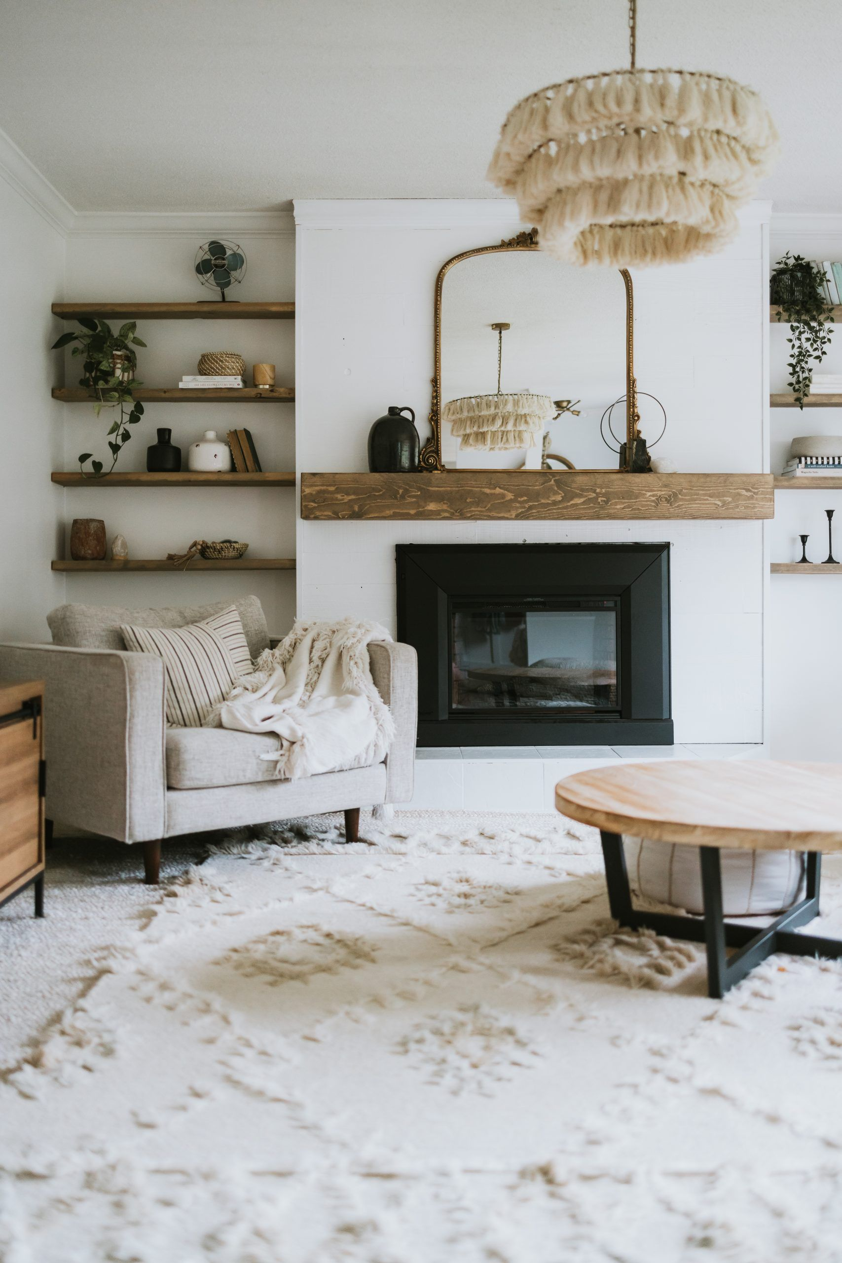 Top Ten Places To Find Discounted Decor. List of Stores that ship across North America.