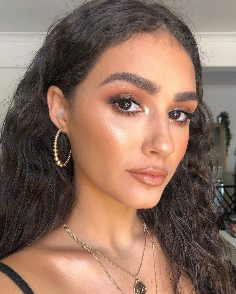 57 Best and Trendy Prom Makeup Ideas For Brown