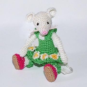 Green Mouse amigurumi pattern by Minimonde
