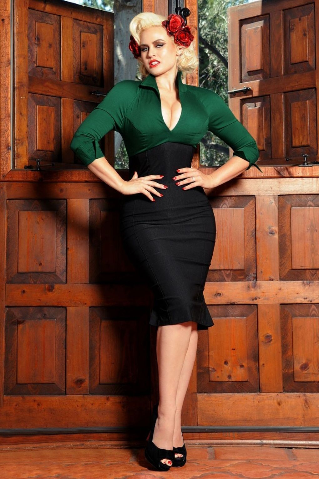 Pinup Couture - Lauren Dress in Black and Forest Green Sateen