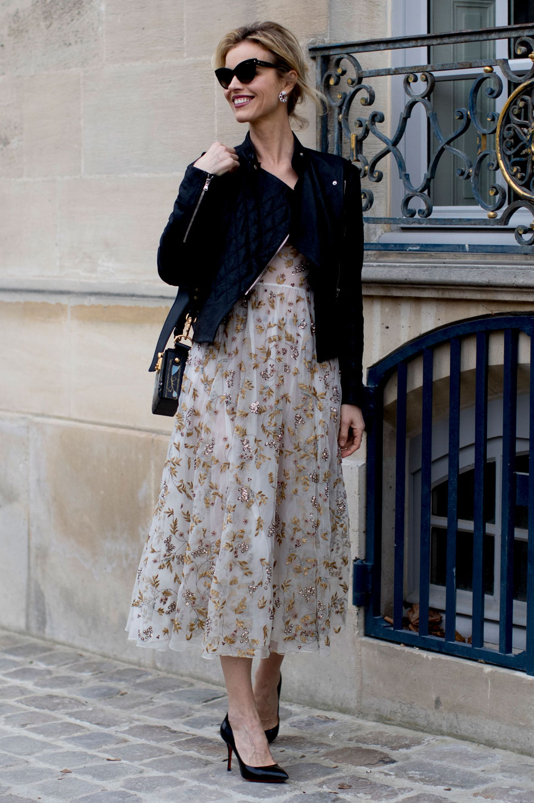1d5095f27fb7 The Best Street Style At Paris Fashion Week Autumn Winter 2017 ...