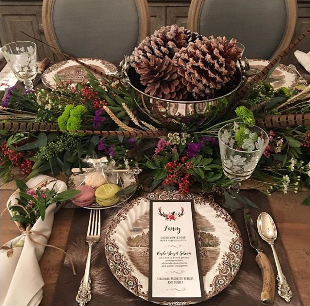 Fall Love Round 1 Is On Thanksgiving Table Decorations Christmas Table Settings Thanksgiving Table Settings