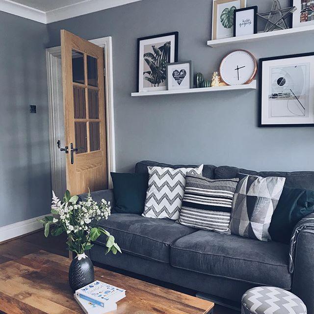 Contemporaryinterior Design Ideas: Living Room #Homeaccents #walldecor, #moderndecoration