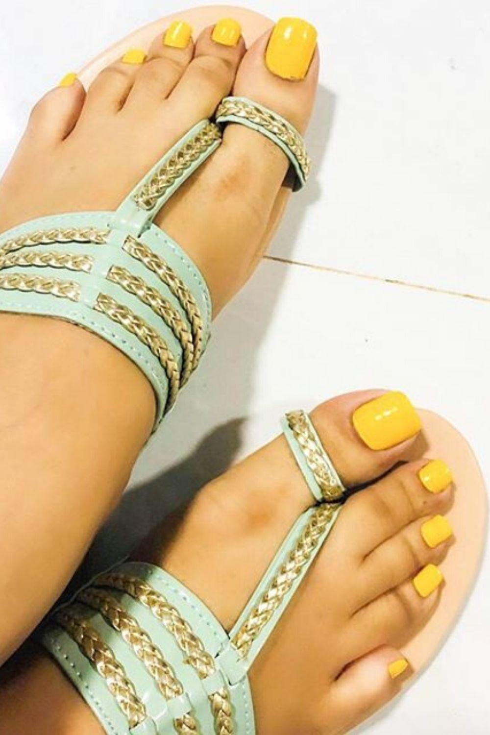 38 Mule Sandals For Everyday Summer 2020 To Inspire Every Woman Womens Fashion Shoes Trending Womens Shoes Women Shoes