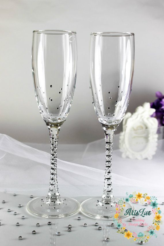 Brilliant Wedding Champagne Glasses With Shimmering Rhinestones