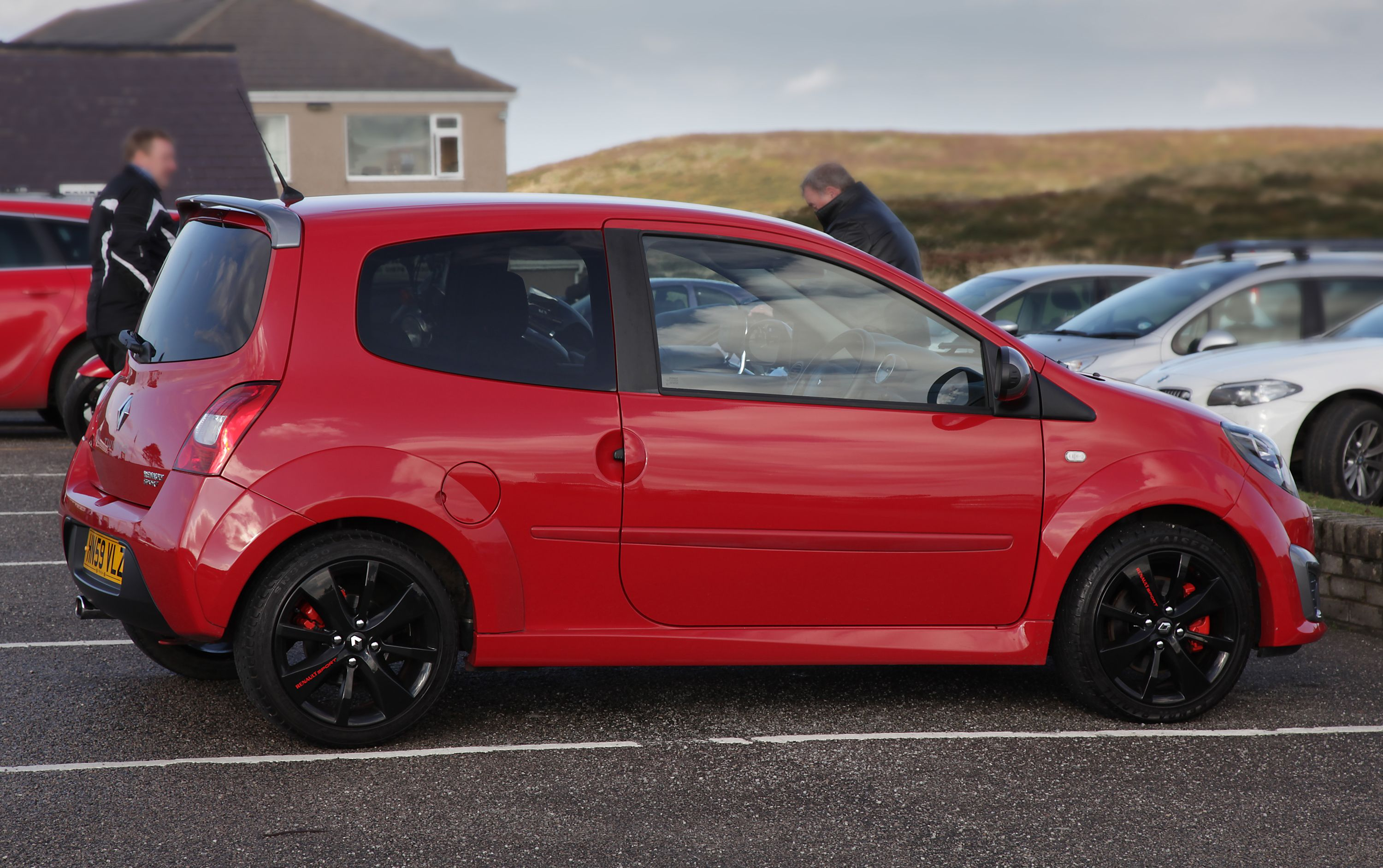 Renault sport Twingo with custom painted wheels and brake callipers
