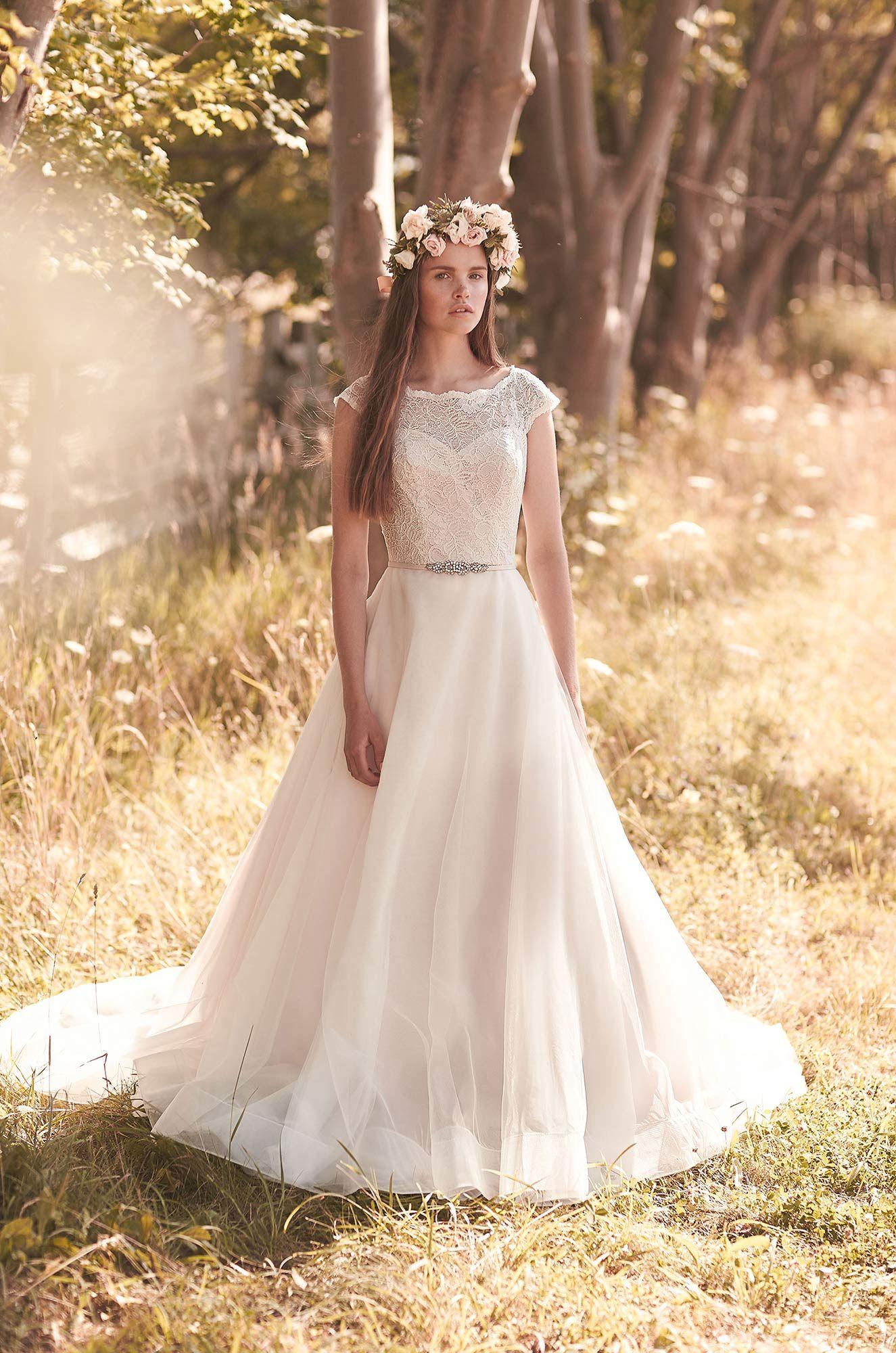 Full tulle skirt wedding dress style in future