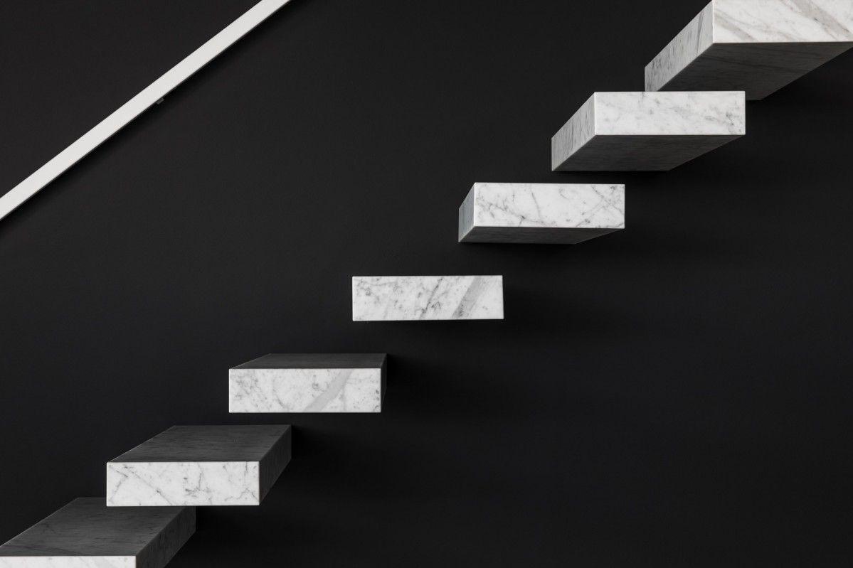 Prijs Zwevende Trap : De wallclimber stone is een zwevende natuursteen trap van genico