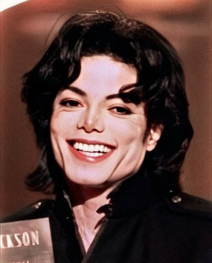 Michael Jackson The King Of Pop Michael Jackson Funny Michael Jackson Smile Photos Of Michael Jackson