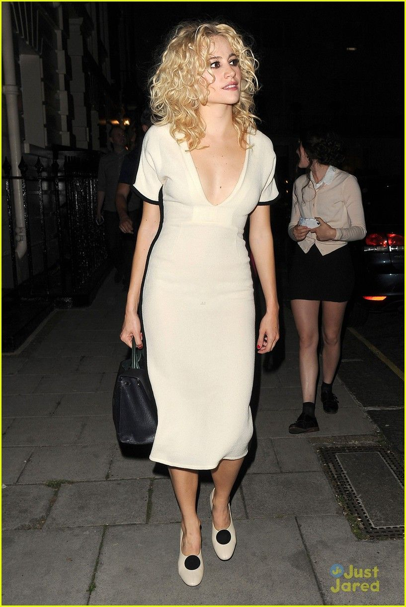 Pixie lott friends engagement three looks tiffanys 22 pixie lott pixie lott celebrates best friends engagement with sweet message photo pixie lott turns heads in a white dress while out with some friends in london ombrellifo Images