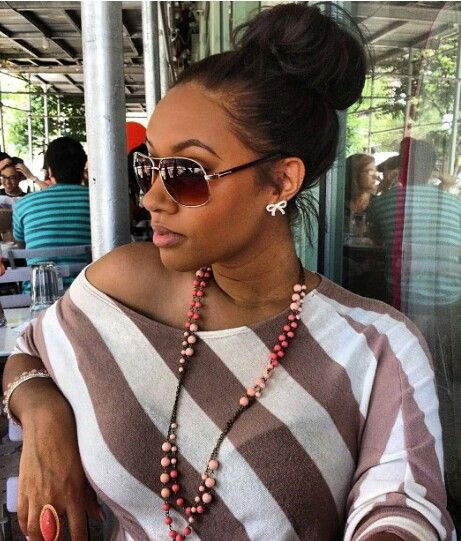 Love This Messy Bun For A Chic Casual Look Natural Hair Styles Hair Styles Bun Hairstyles
