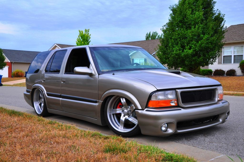 Sick Lowered Gmc Jimmy Want That Bumper Gmc Trucks Gmc