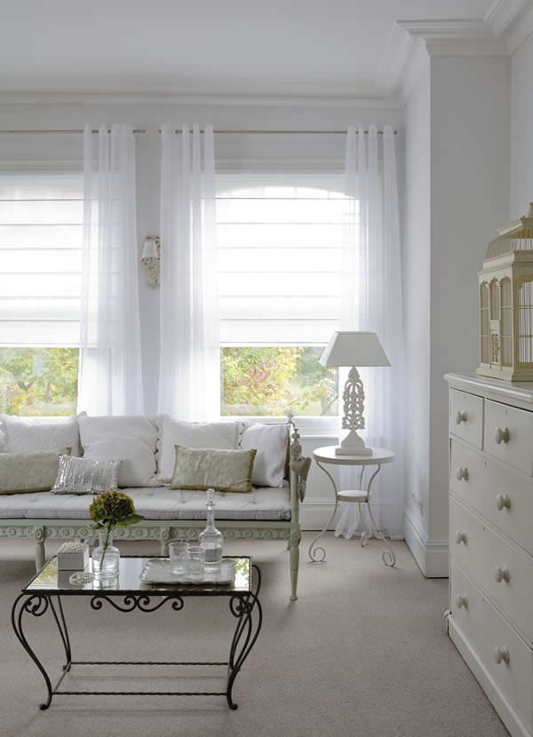 Store Bateau Tissu Deco Shutters Bateau Deco Rideau Shutters Store Ti Tracy Pinxhouse In 2020 Living Room Blinds Curtains Living Room Curtains With Blinds