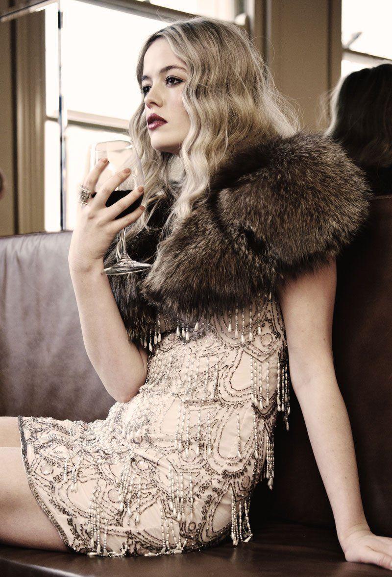 roaring twenties wavy hairstyle 1920s 1920s hair. Black Bedroom Furniture Sets. Home Design Ideas