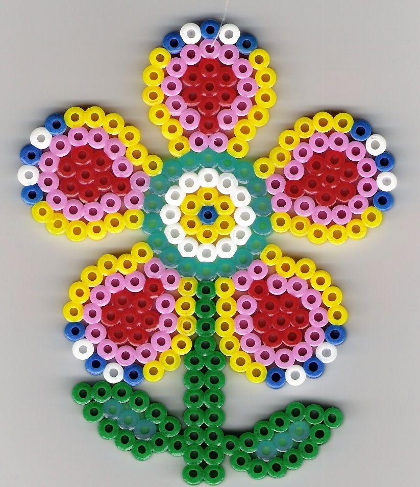 blume b gelperlen flower perler beads perler bead patterns pinterest b gelperlen blumen. Black Bedroom Furniture Sets. Home Design Ideas