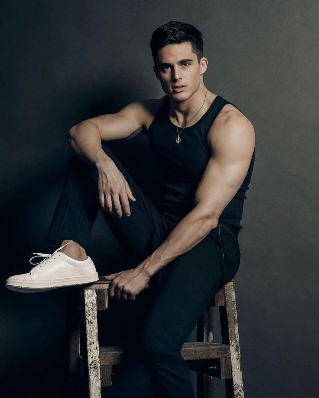 твиттере фото моделей мужчин гимнастов самом деле