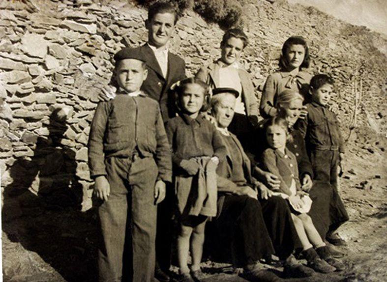 Familia mart n gonz lez a os 40 una mirada en blanco y - Familias en blanco y negro ...