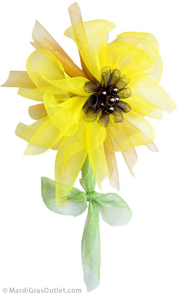 Deco Mesh Sunflower Wreath Tutorial from MardiGrasOutlet.com
