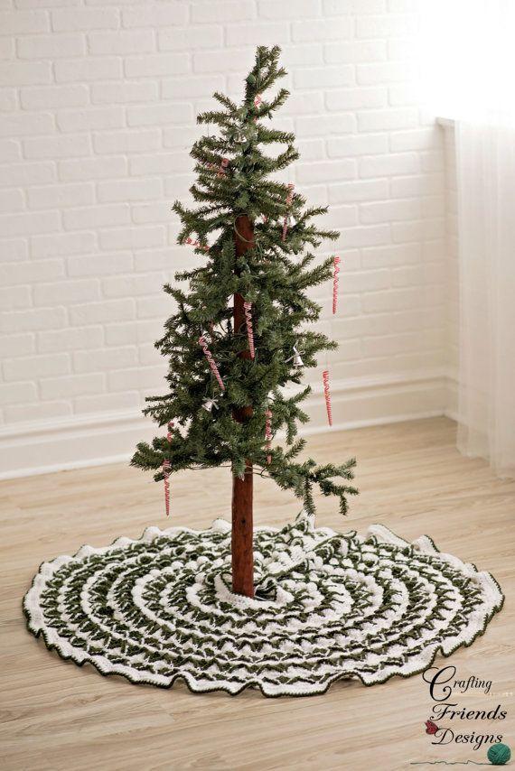 Crochet Pattern, Christmas Pine Tree Skirt crochet pattern, Pine
