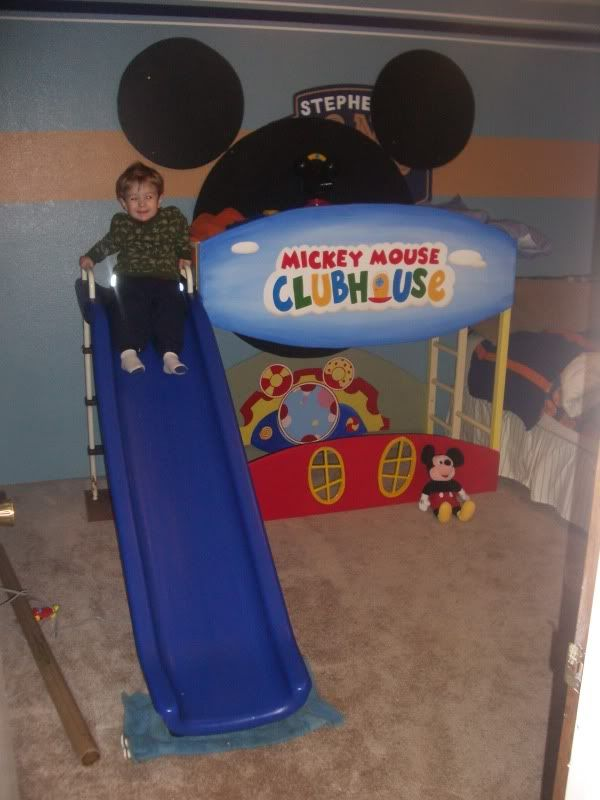 Bunk beds for toddler boys made mickey mouse - Mickey mouse clubhouse bedroom decor ...