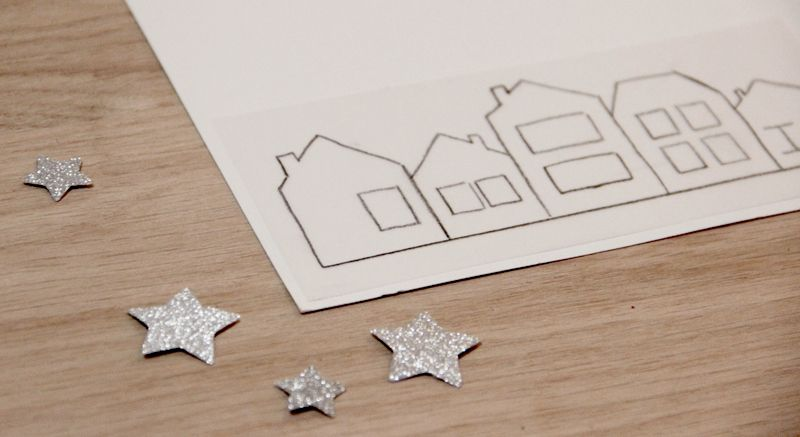 Voici une idée pour créer des petites silhouettes de maisons à dupliquer pour joliment décorer le rebord des fenêtres et rappeler la douceur chaleureuse des maisons en hiver et à l'approche d…