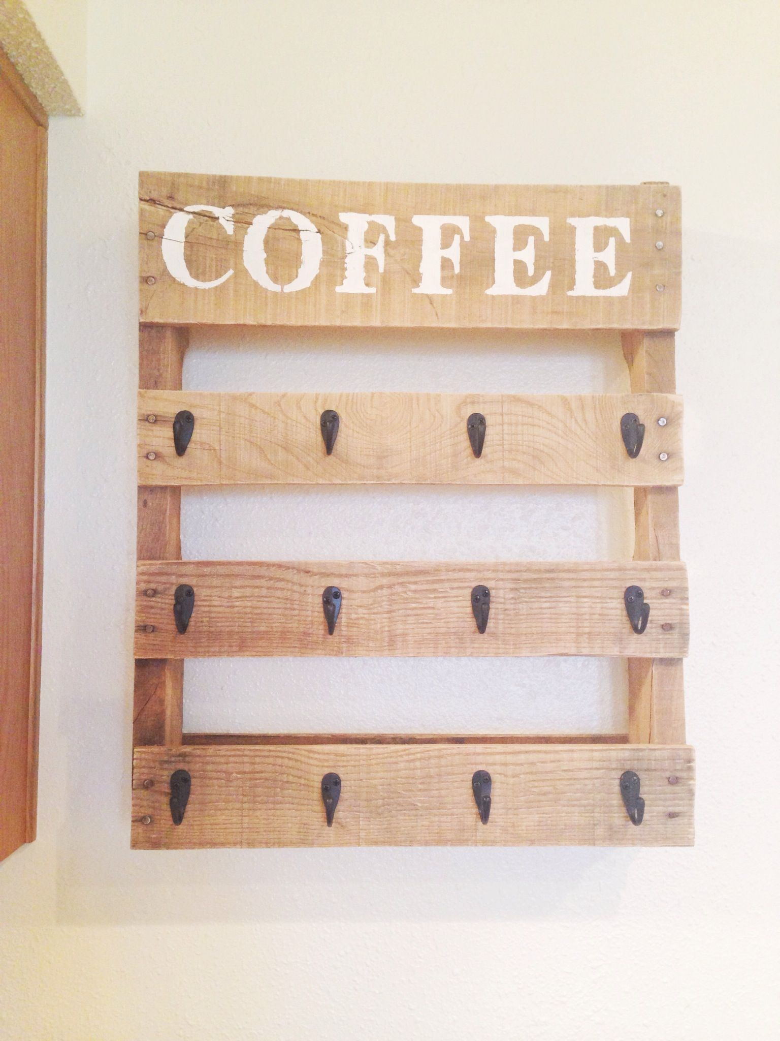Diy pallet coffee cup holder coffee cup holder cup for Coffee rack diy