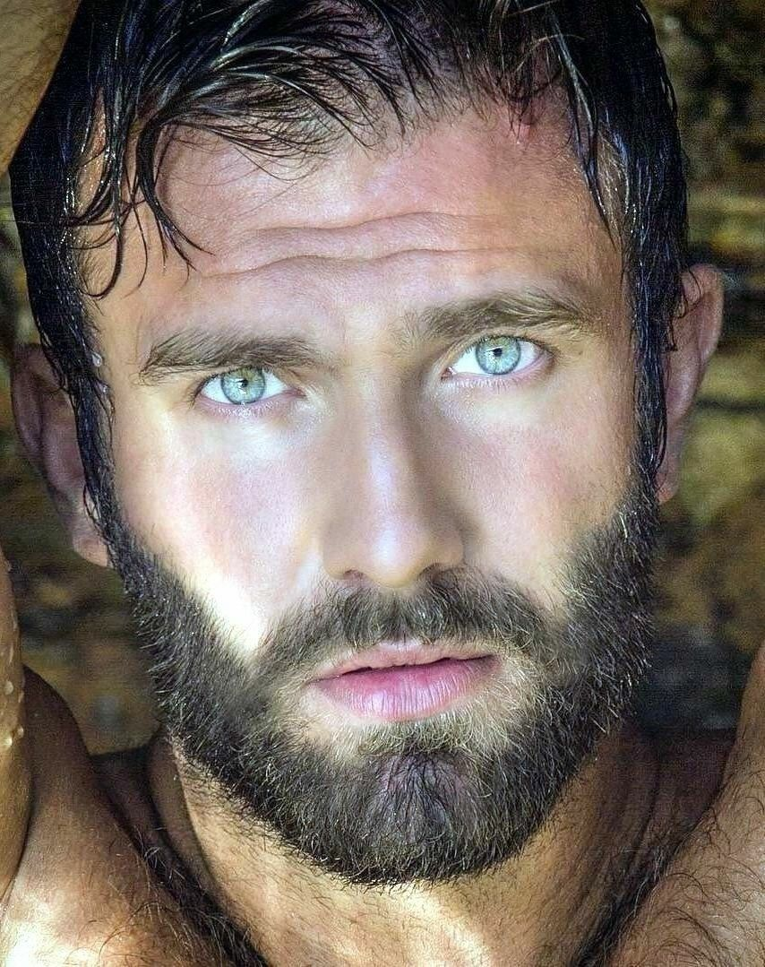 Pin de nariquito en hermosos en pinterest bearded men sexy