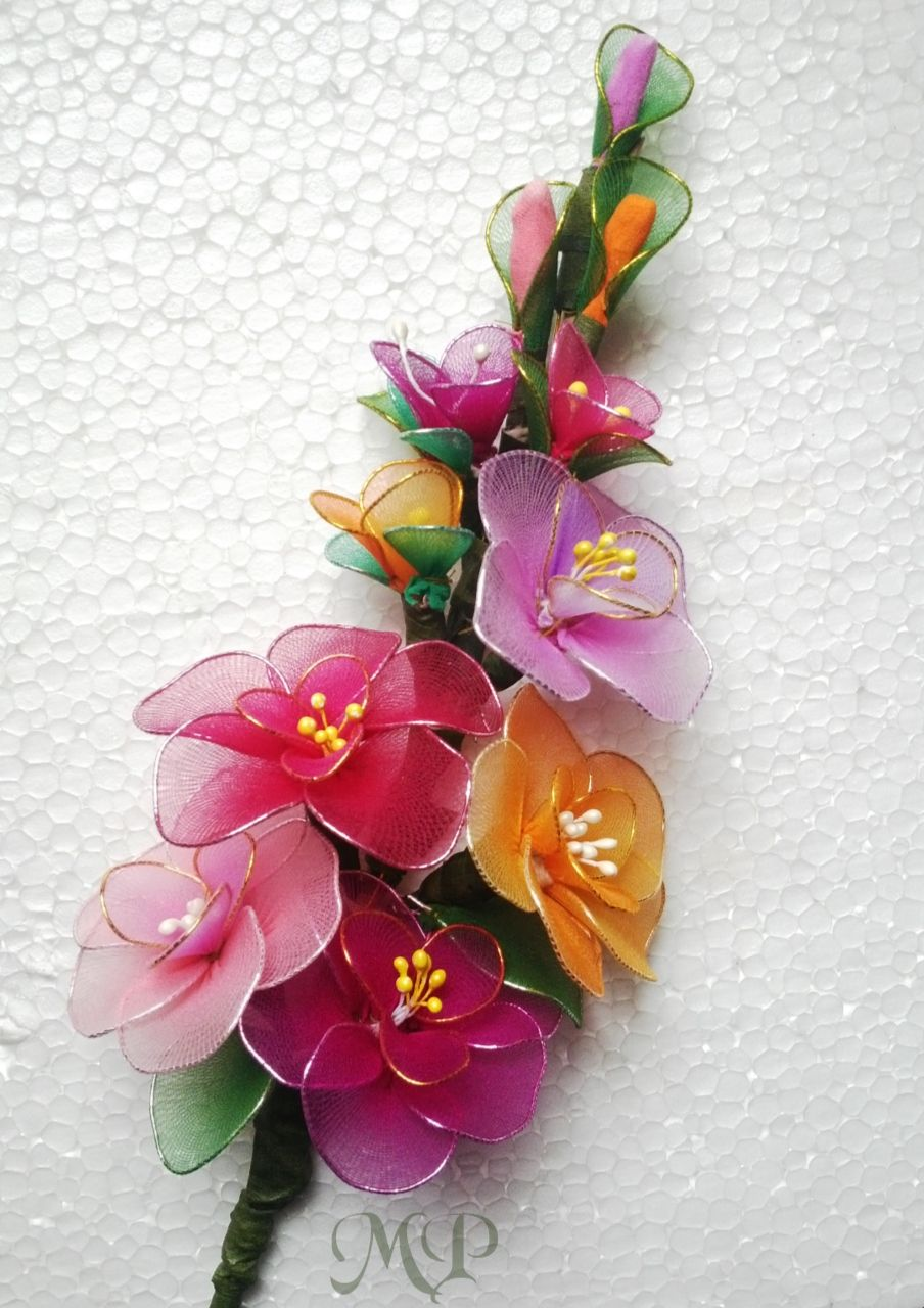 4290a2bc34b0d Stocking cloth flower #flower_bunch | CRAFTS TO DO | Cloth flowers ...