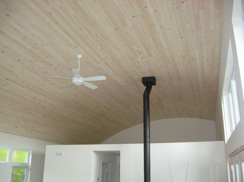 Plafond pin blanc fini avec Brio Blanc antique - huile pour murs ...