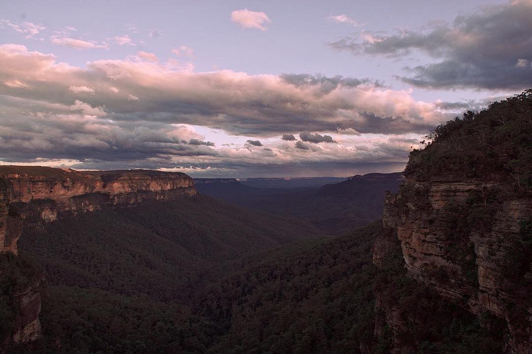 The majestic view of Australia's landscape. Queen Victoria view #bluemountains #landscape #epic