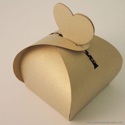 Classic Wedding Invitation: Bonbonniere Gift Box