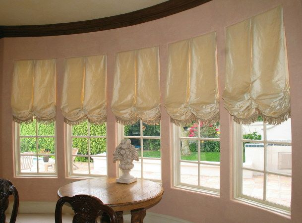 Good These Balloon Shades Add A Very Elegant And Romantic Feeling To This Room.  Personally, Good Looking