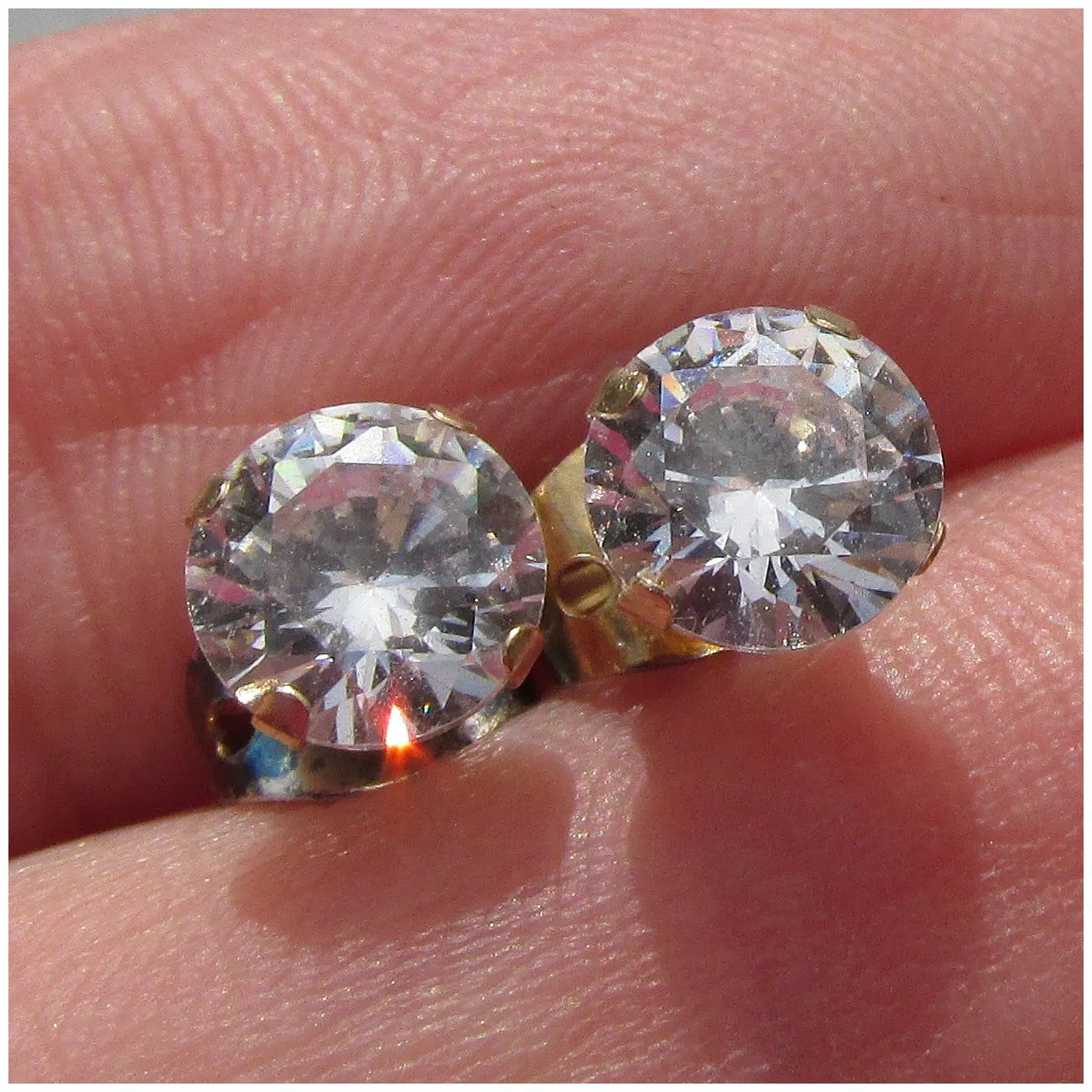 10k Gold 1 Ct Cubic Zirconia Stud Earrings In 2020