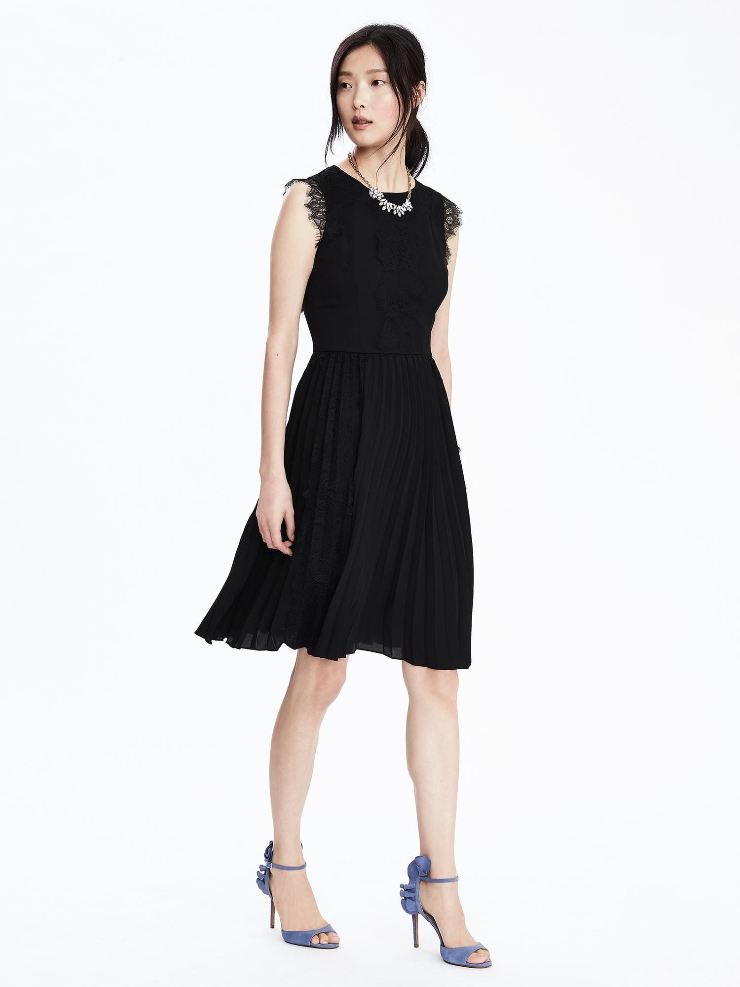 cfa1afa3da Banana Republic Pleated Lace Dress