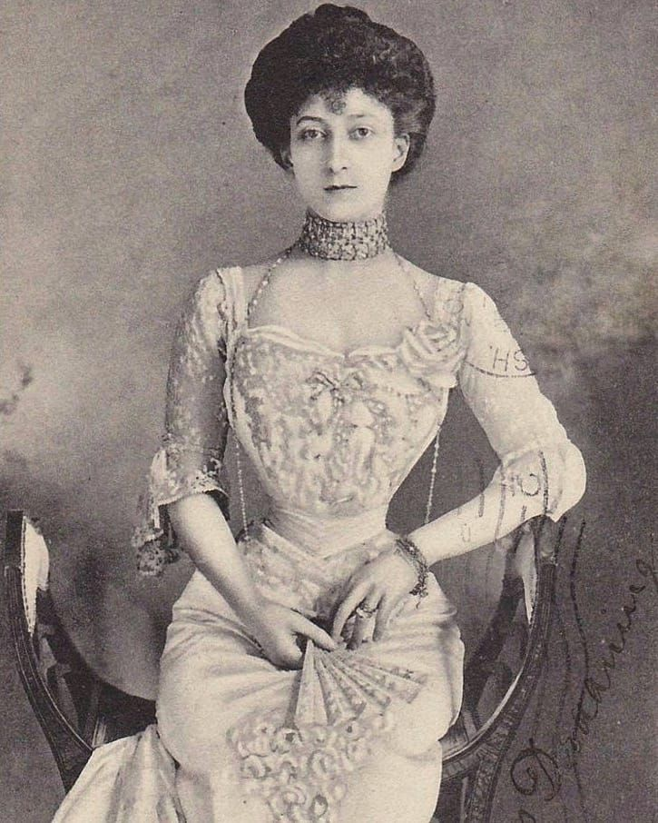 This is my favorite photo of Maud Queen of Norway (1869