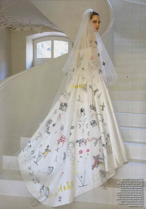 Angelina Jolie S Versace Wedding Veil With Doodles By Her Children Angelina Jolie Wedding Dress Angelina Jolie Wedding Versace Wedding Dress