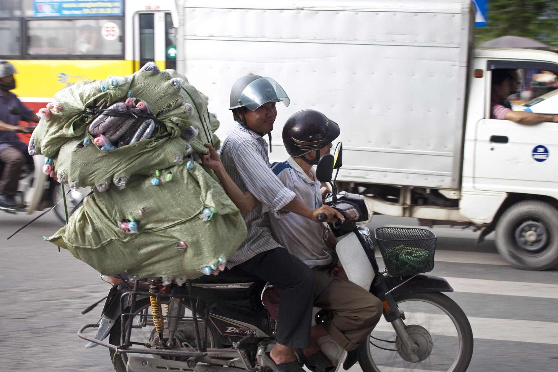 Only in Vietnam.  #hochiminh #saigon #motorbike #unique #vietnam #drivevietnam #airporttransfer