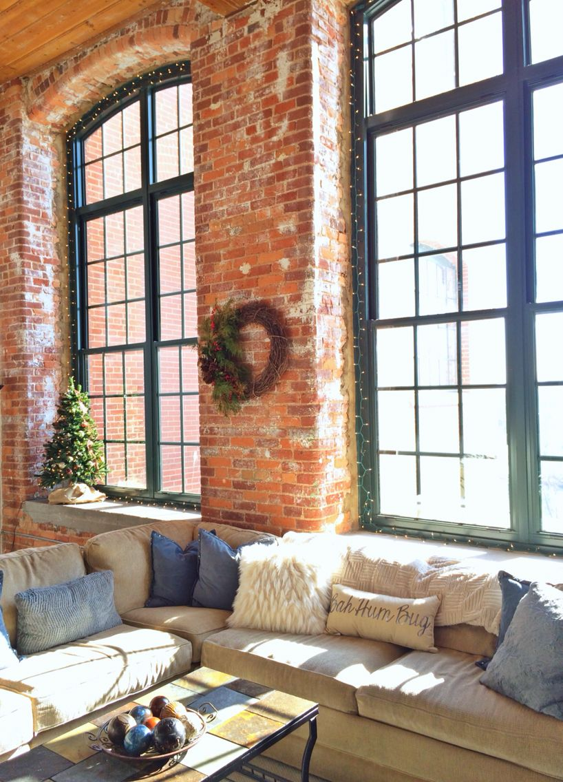 Holiday Decor In Loft Apartment Pillow Wreath Christmas Tree Apartment Holiday Decor Loft Apartment Home Builders