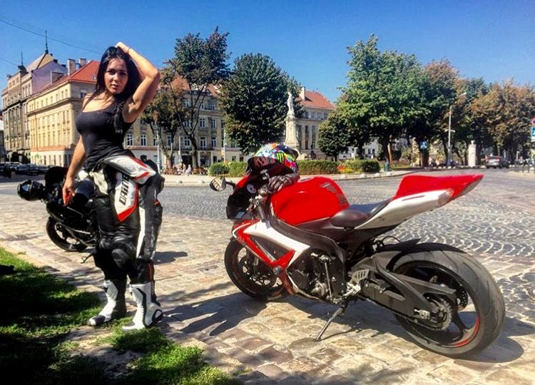 Hot women and motorcycles