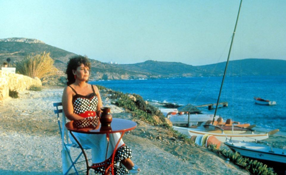 Shirley Valentine Cast From Pauline Collins Alison Steadman And Tom Conti To Joanna Lumley And Julia Mckenzie Shirley Valentine Pauline Collins Tom Conti