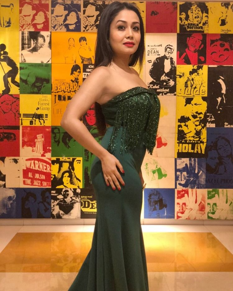 Neha kakkar in 2020 Neha kakkar dresses, Bollywood dress