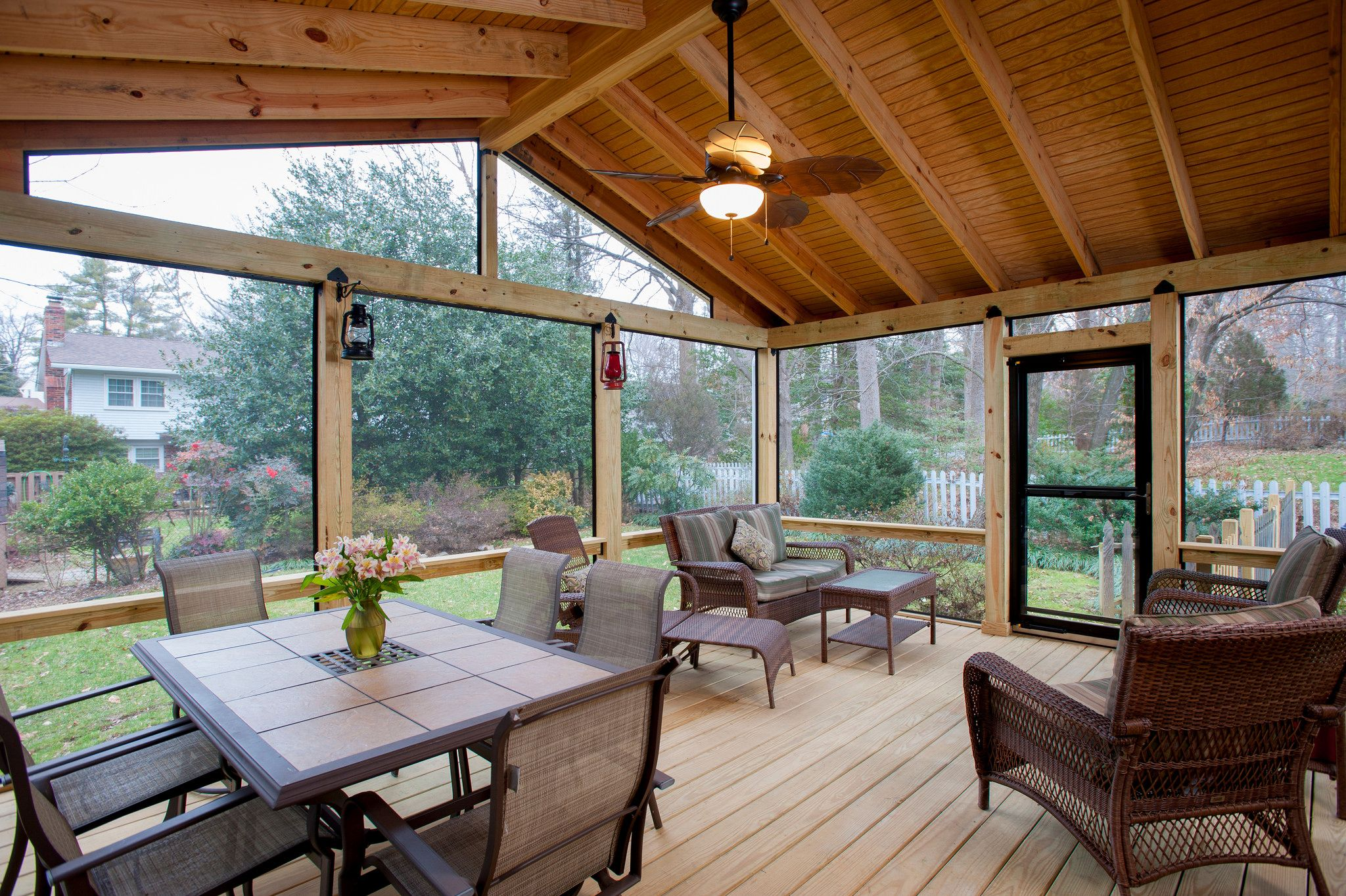 Screen porch contractor fairfax screened porches porch for Screen room designs