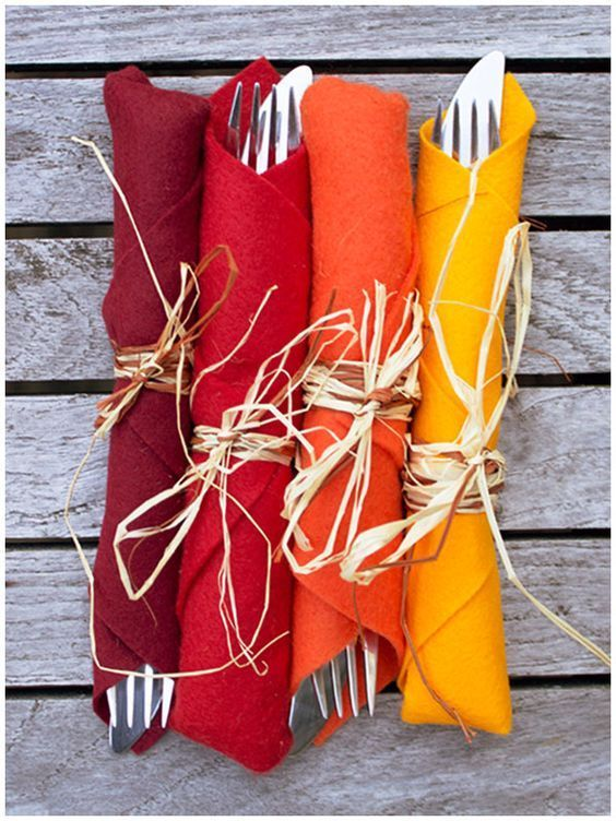 Simple Thanksgiving Table Setting Ideas – Hip Hoo-Rae Very Simple Felt wrapped cutlery in Fall colors