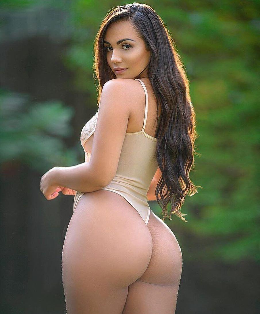 Dubai girls naked with big boobs