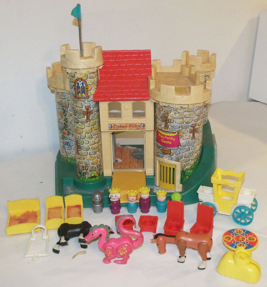 fisher price little people vintage play family castle complete with accessories fisher price. Black Bedroom Furniture Sets. Home Design Ideas