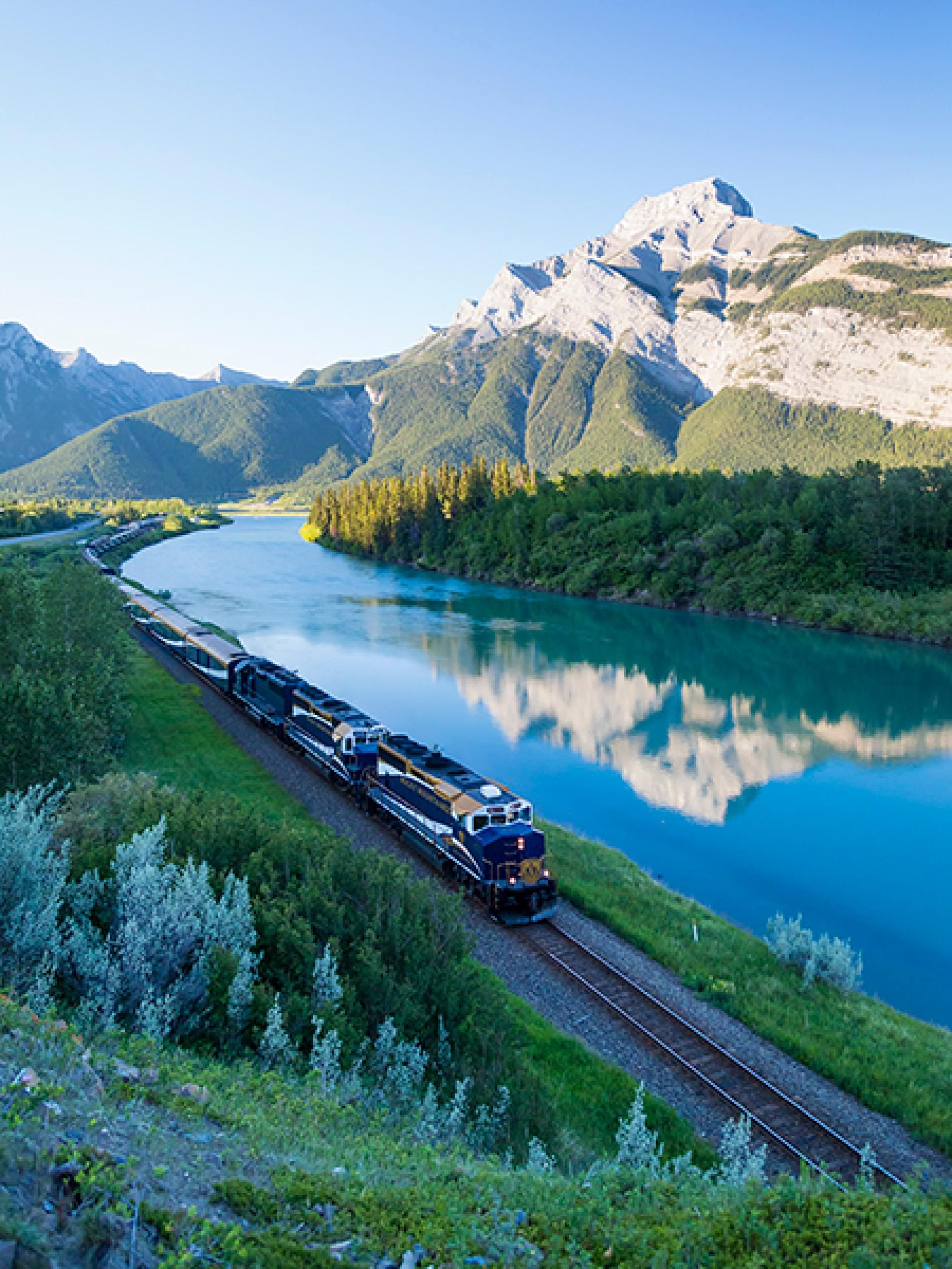 Pictures Canada S Rocky Mountaineer Train Western